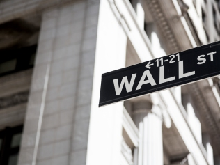 Stock Market Values CMO in Top Management Team