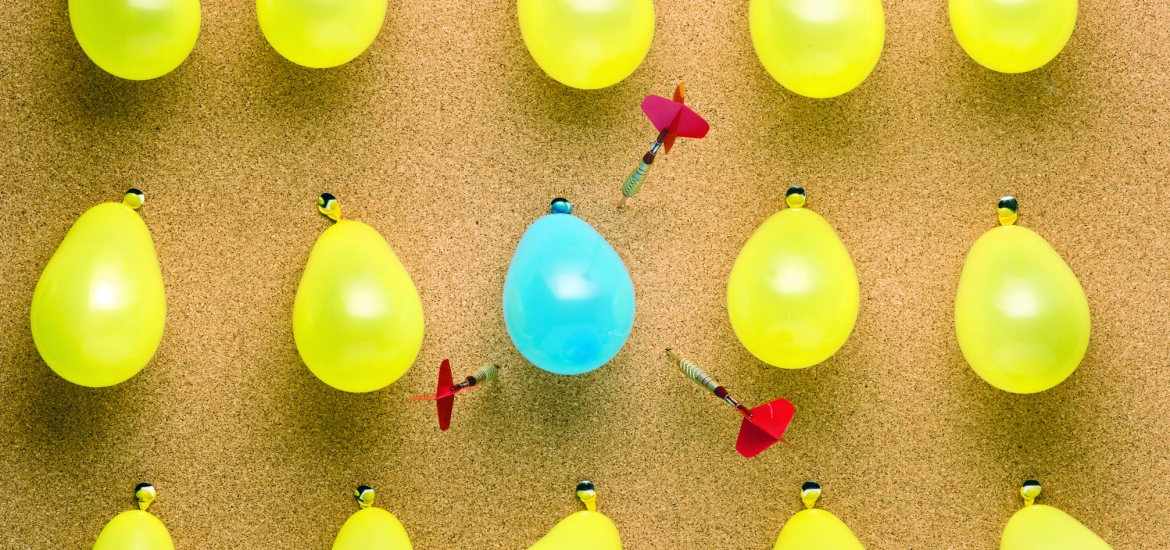 Yellow and Blue balloons off-target concept