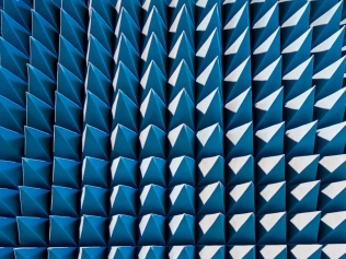 pattern of blue spikes